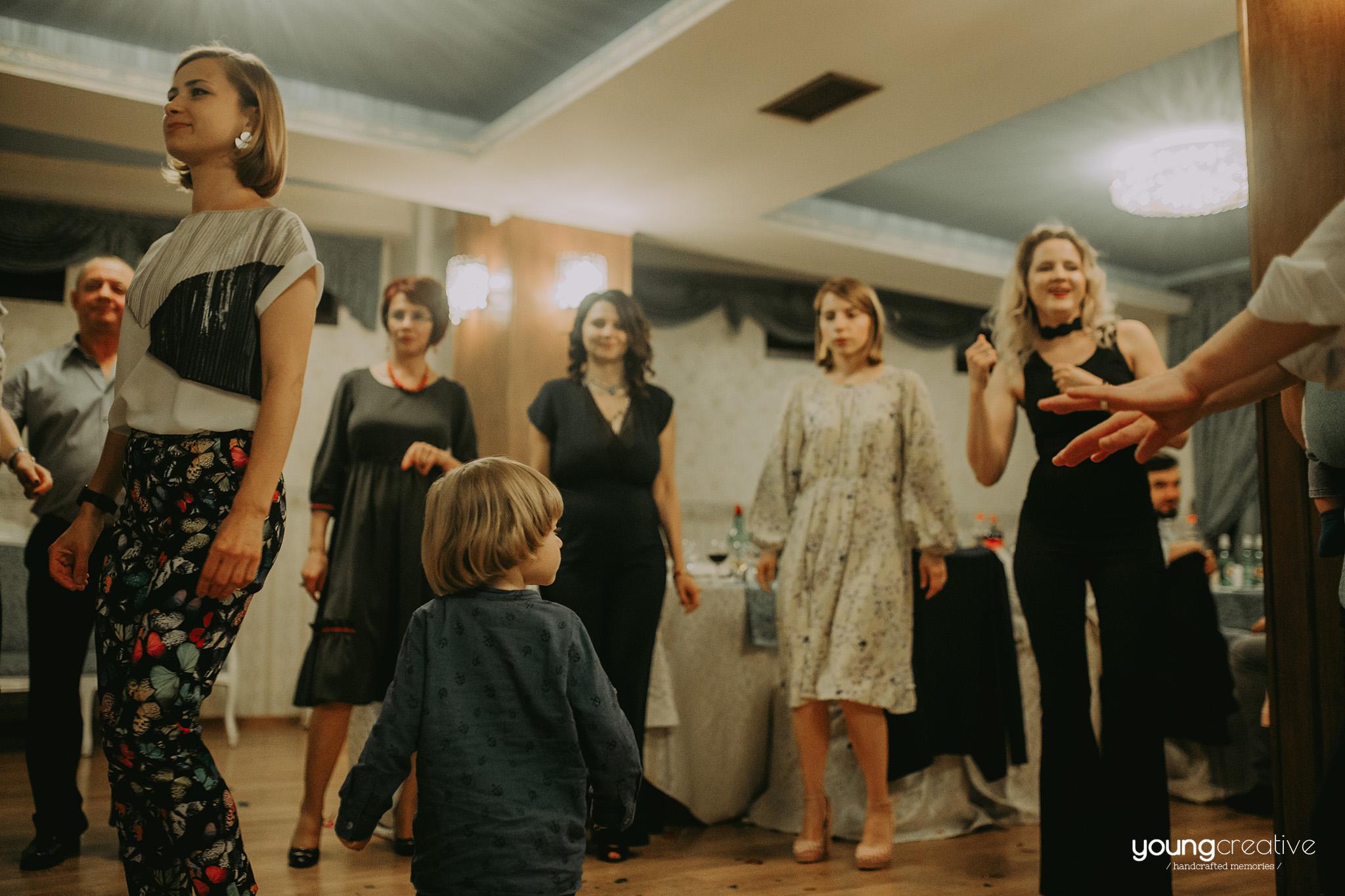 Botez Dragos | youngcreative.info media | Dan Filipciuc, Cristina Bejan | fotografie de botez Suceava