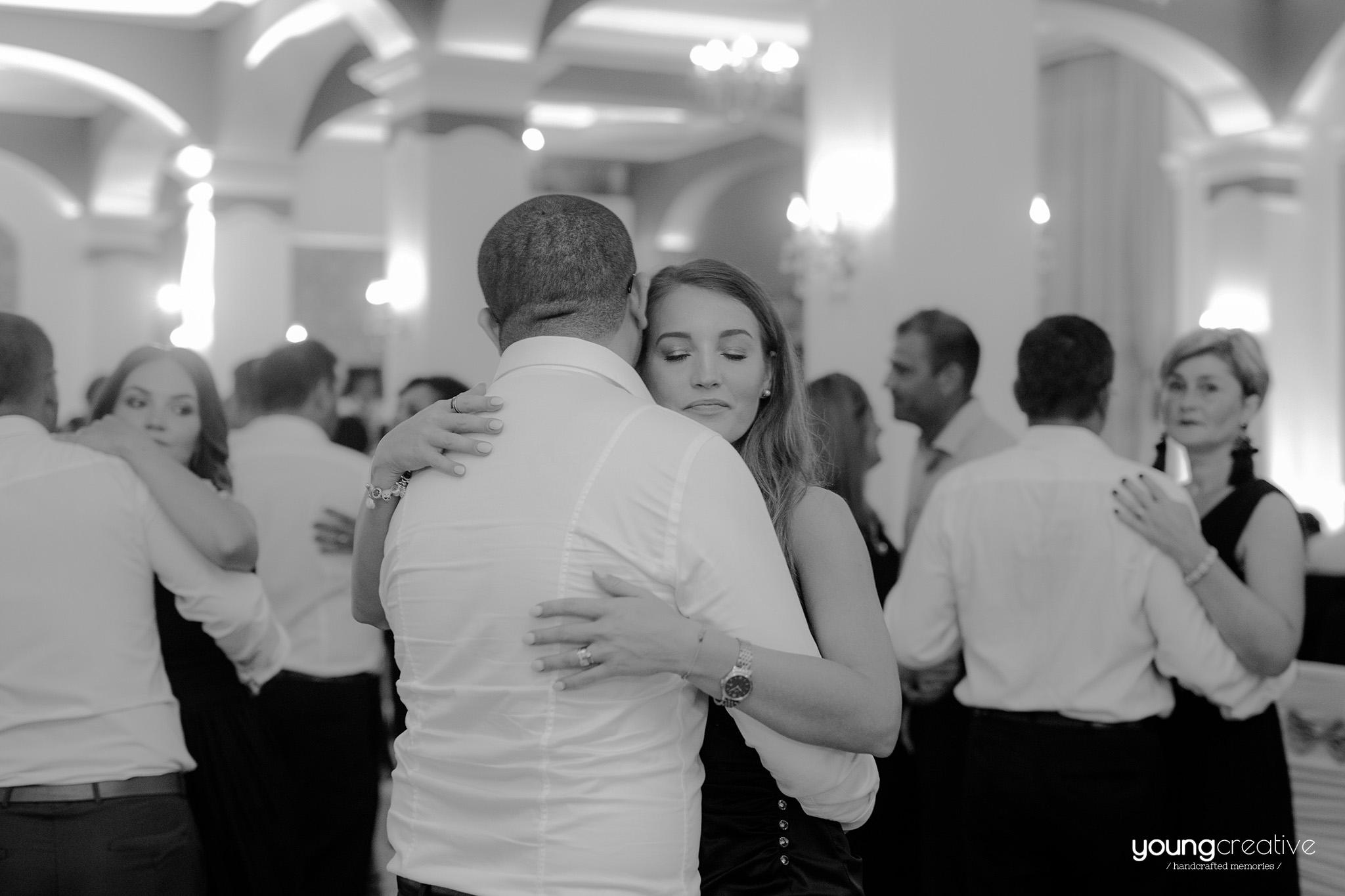Petronela & Flavius | youngcreative.info media © Dan Filipciuc, Cristina Bejan | fotografie nunta Falticeni
