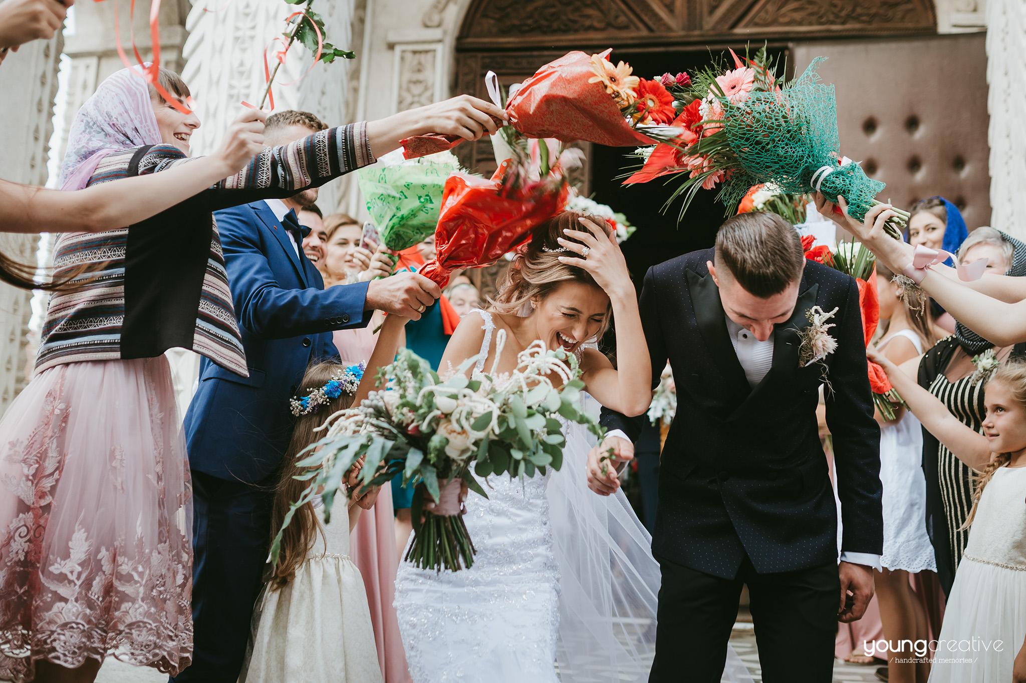 Iuliana & Marian | youngcreative.info media © Dan Filipciuc, Cristina Bejan | fotografie de nunta Falticeni