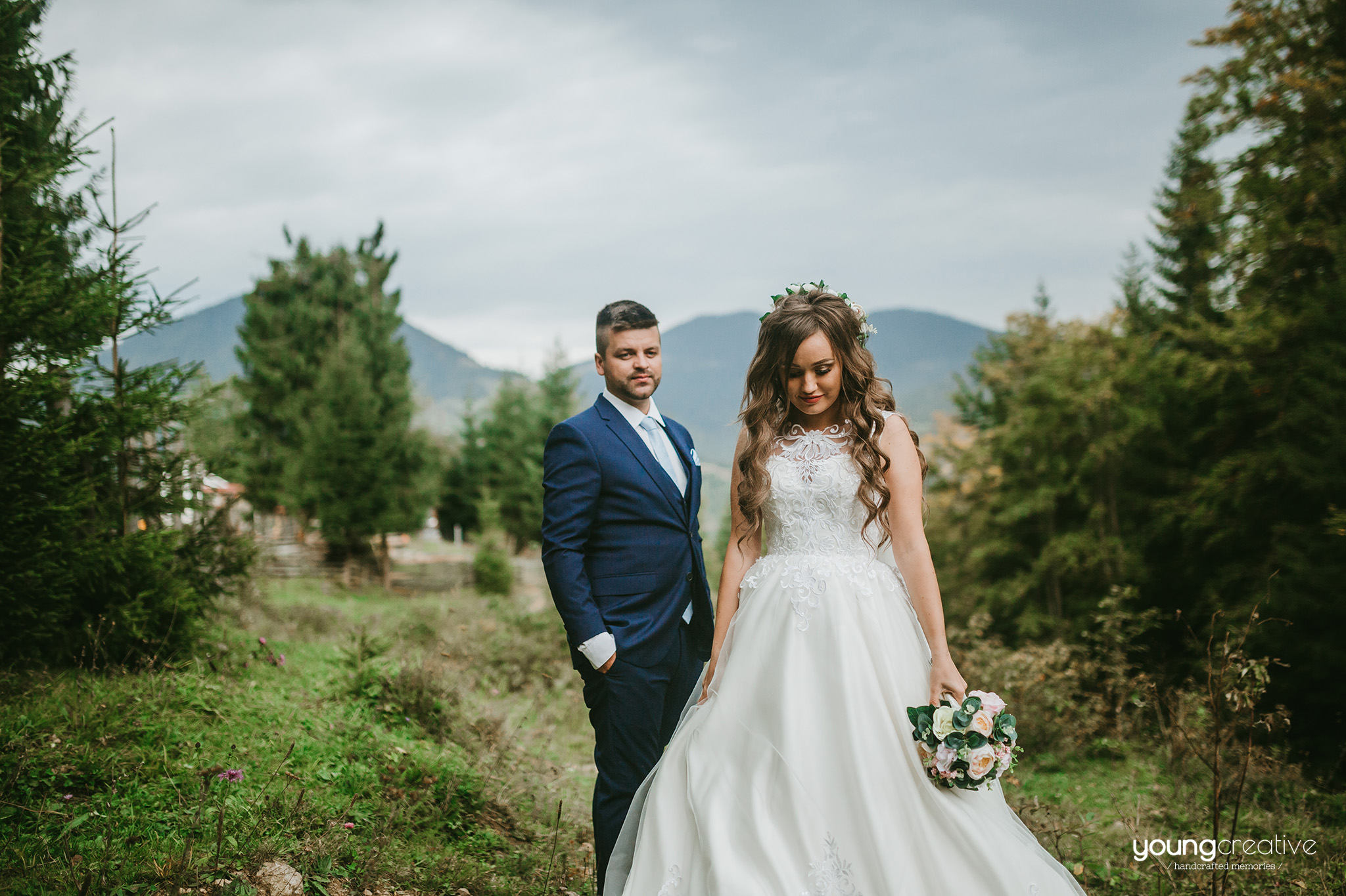 Maria & Teodor | youngcreative.info media © Dan Filipciuc, Cristina Bejan | Love The Dress